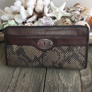 Fossil Maddox Zip Around Wallet Brown Leather